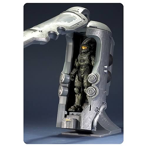 179acf04e84cc27b9346459ecad8526b Halo 4 Frozen Master Chief with Cryotube Deluxe Figure